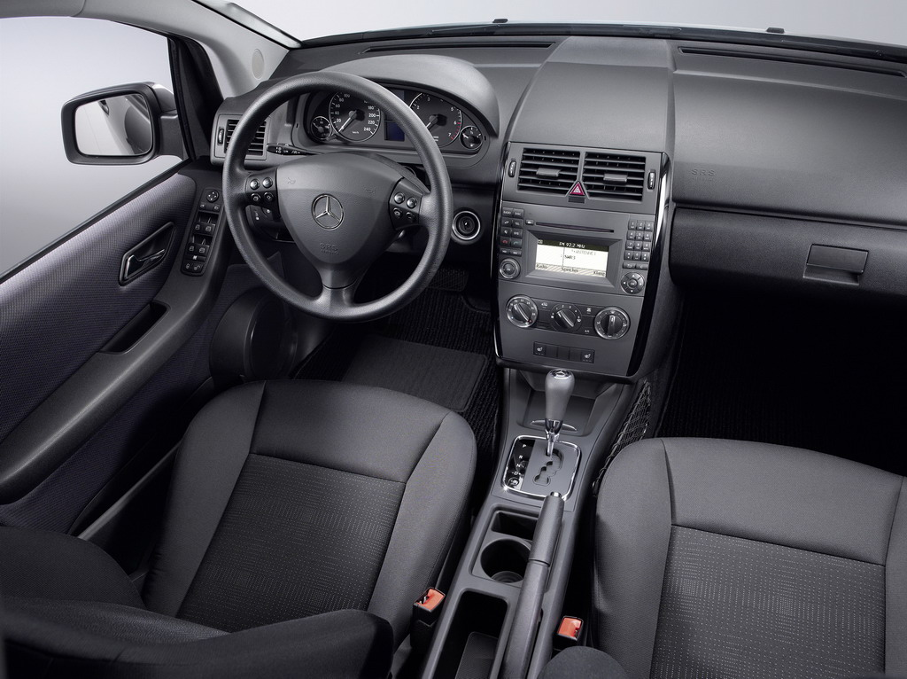 Fotos del mercedes benz clase a gama 2008 for Interior mercedes clase a