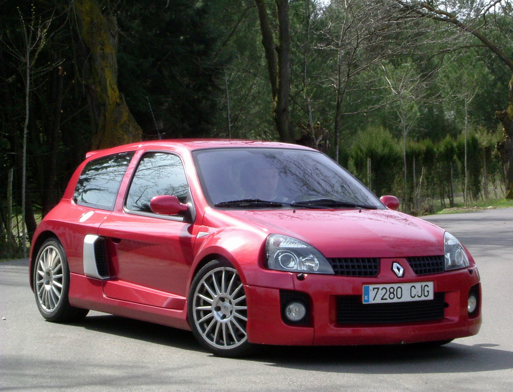 fotos del renault clio sport v6. Black Bedroom Furniture Sets. Home Design Ideas