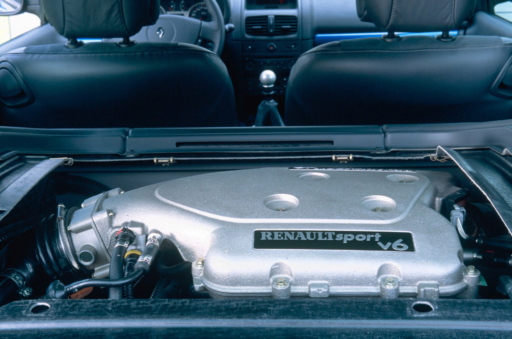 Fotos del Renault Clio Sport V6 - Sobrecoches.com