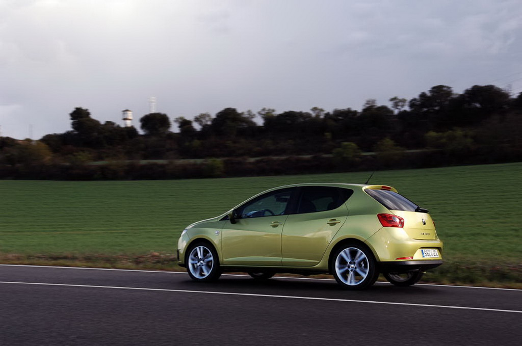fotos del seat ibiza 1 9 tdi 105 cv sport. Black Bedroom Furniture Sets. Home Design Ideas