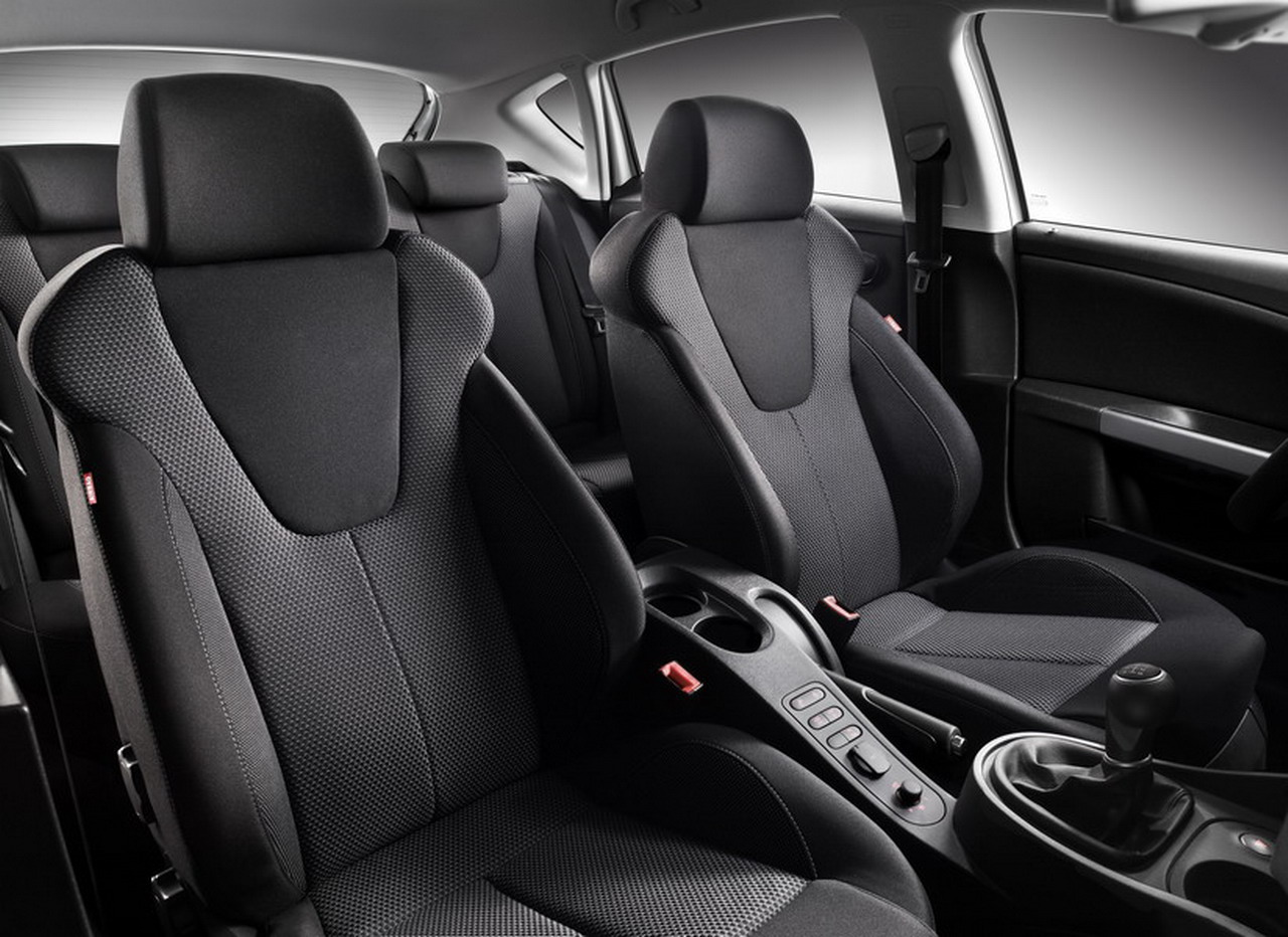 Fotos del seat leon gama 2010 - Seat leon interior ...