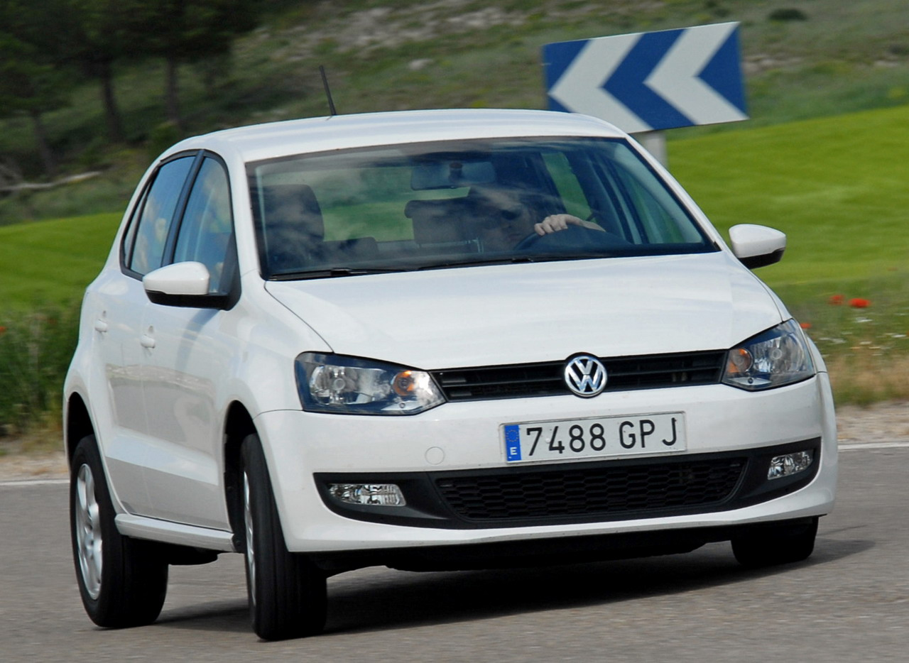 fotos del volkswagen polo 1 6 tdi 90 cv 5p advance. Black Bedroom Furniture Sets. Home Design Ideas